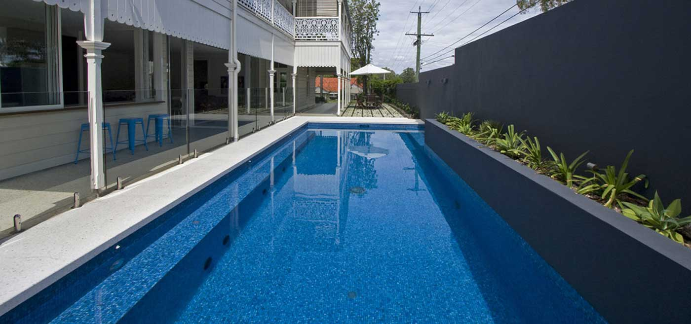 Blue Water Pool - Fully Tiled - Modern